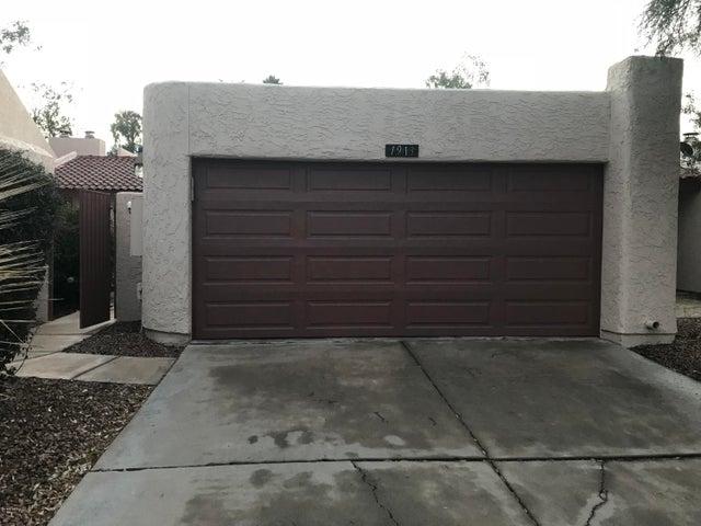 1913 S RIVER Drive, Tempe, AZ 85281