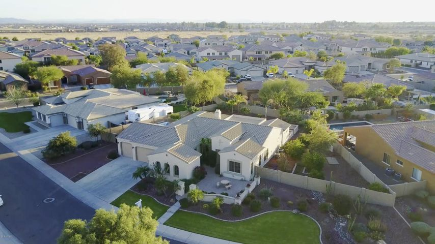 18527 W MARSHALL Avenue, Litchfield Park, AZ 85340