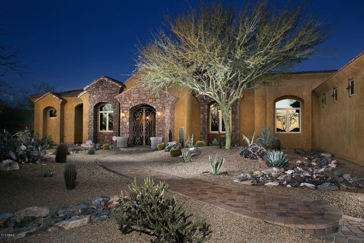 Beautifully styled Desert Home