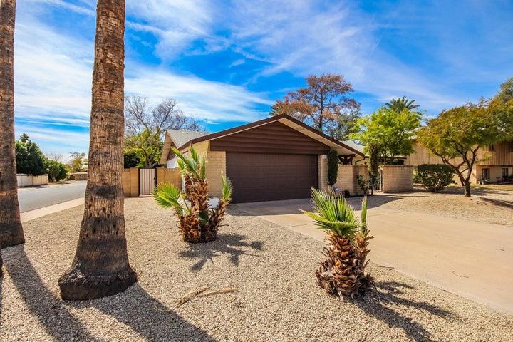 447 E CARSON Drive, Tempe, AZ 85282