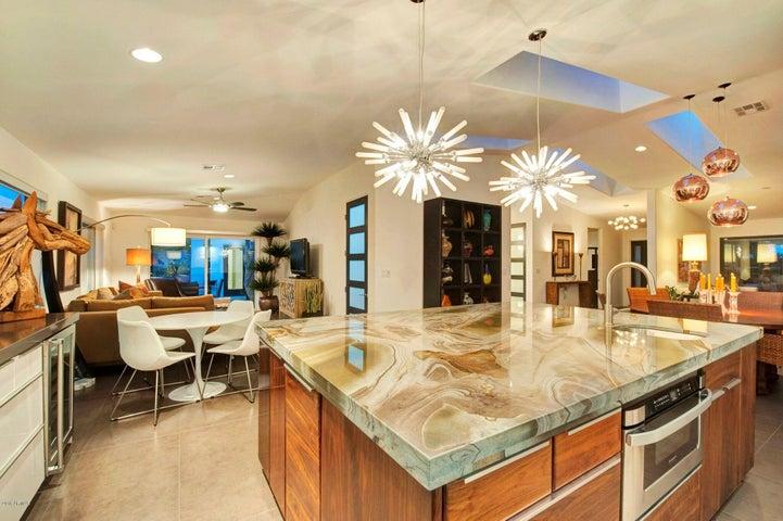 3210 E VERMONT Avenue, Phoenix, AZ 85018