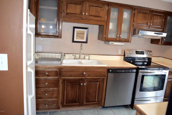 Stainless appliances.