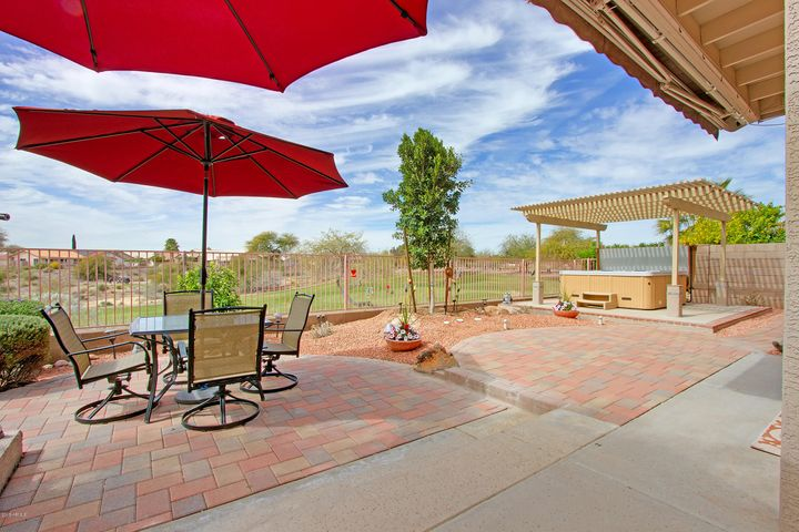 11556 W MOUNTAIN LION Court, Surprise, AZ 85378