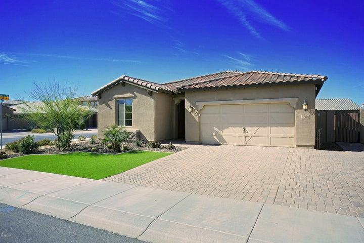 5786 S HEMET Street, Gilbert, AZ 85298