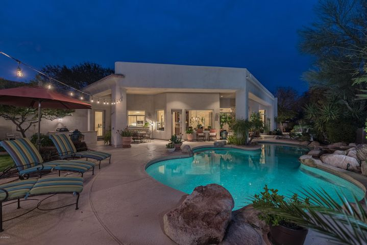 Wow, enjoy our lovely AZ nights by your private pool
