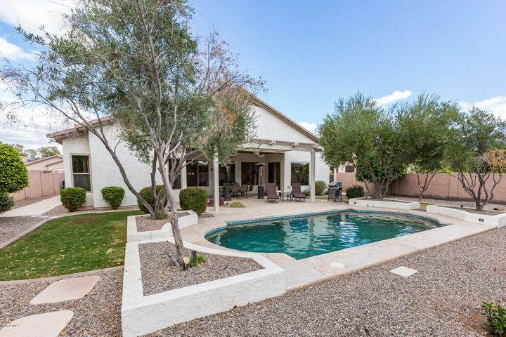 2351 E BELLERIVE Place, Chandler, AZ 85249