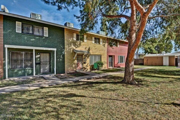 6614 N 43 Avenue, Glendale, AZ 85301
