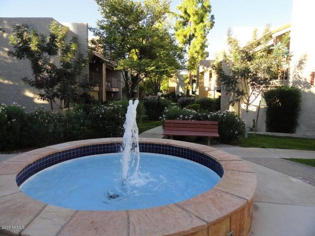 5525 E Thomas Road, F14, Phoenix, AZ 85018