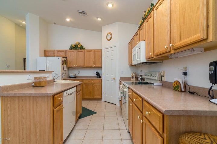 7530 E PALO BREA Drive, Gold Canyon, AZ 85118