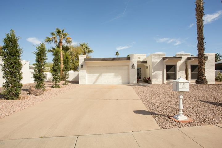 628 E CALAVAR Road, Phoenix, AZ 85022