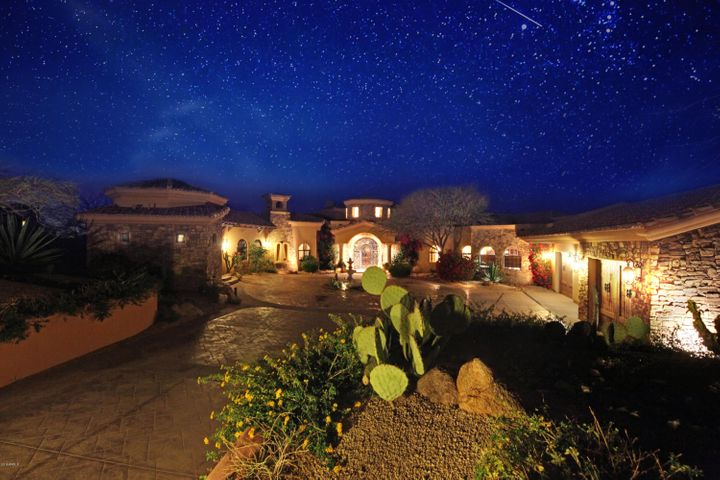 Star lit sky, No obstructive views of city lights, sunsets, mountains and beautiful dessert
