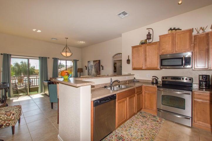 2725 E MINE CREEK Road, 2252, Phoenix, AZ 85024