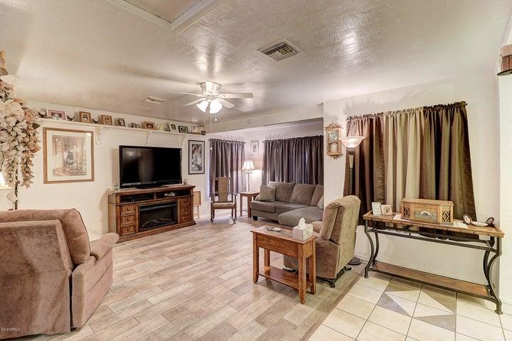9618 N 66TH Drive, Glendale, AZ 85302