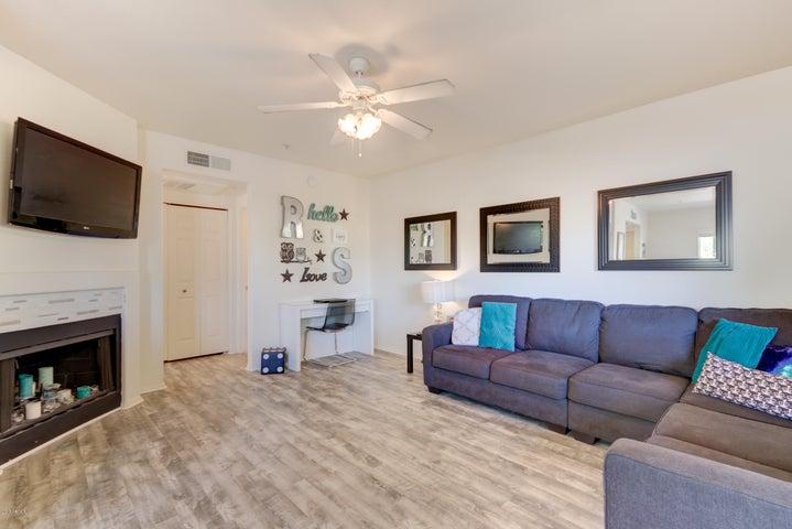 1825 W RAY Road, 2074, Chandler, AZ 85224