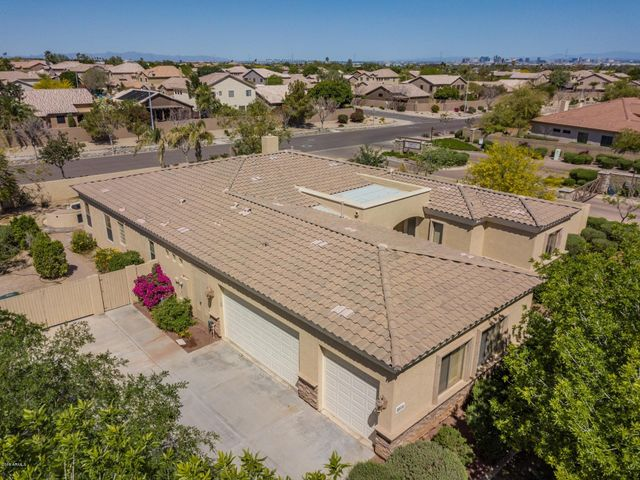 8016 S 28TH Place, Phoenix, AZ 85042