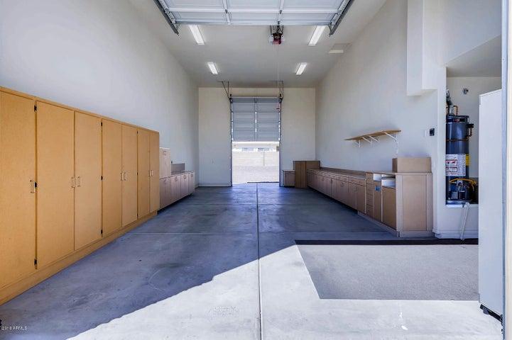 18608 W NORTH Lane, Waddell, AZ 85355