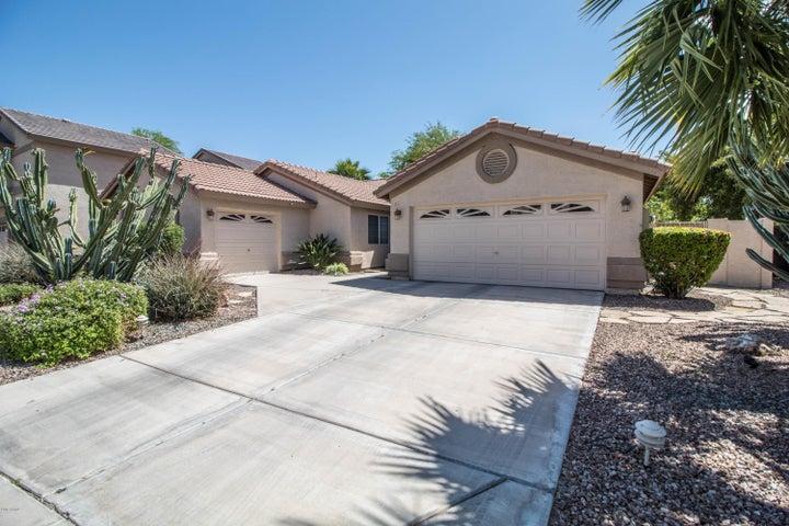 6327 W TONOPAH Drive, Glendale, AZ 85308
