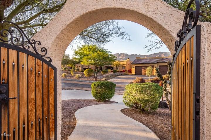 4618 S STRIKE IT RICH Drive, Gold Canyon, AZ 85118