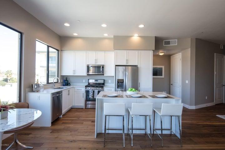 7300 E EARLL Drive, 1011, Scottsdale, AZ 85251
