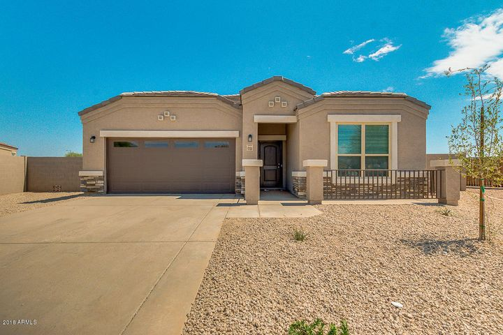 16710 N LUNA Drive, Maricopa, AZ 85138