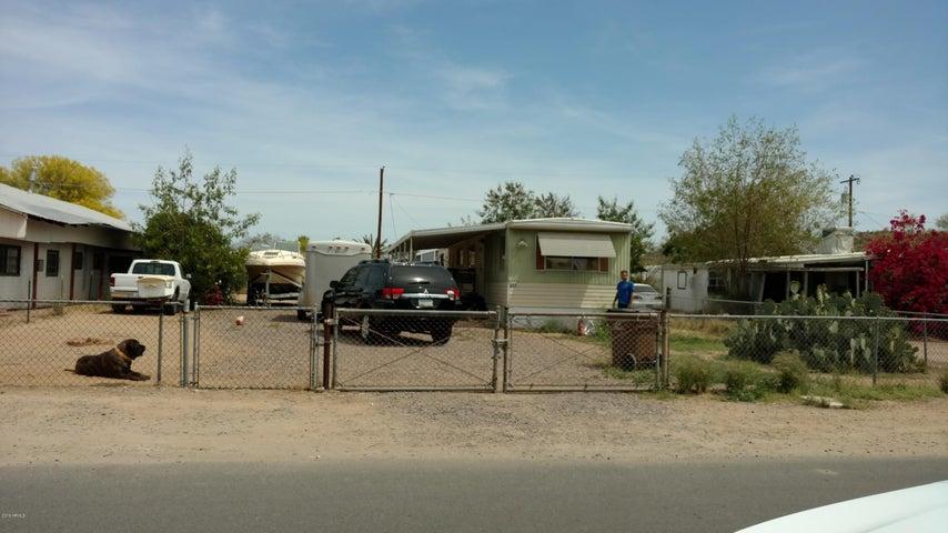 233 N 82ND Street, Mesa, AZ 85207