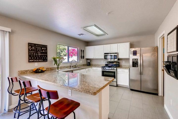 8954 E Yucca Street, Scottsdale, AZ 85260