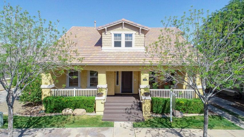 1341 S CLAIBORNE Avenue, Gilbert, AZ 85296