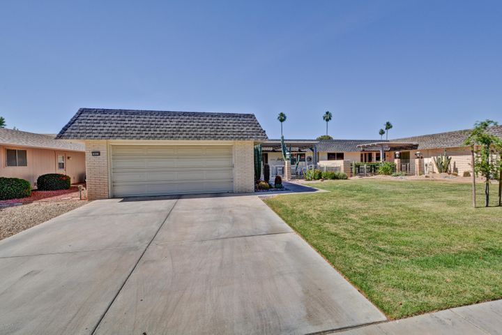 10310 W HIGHWOOD Lane, Sun City, AZ 85373