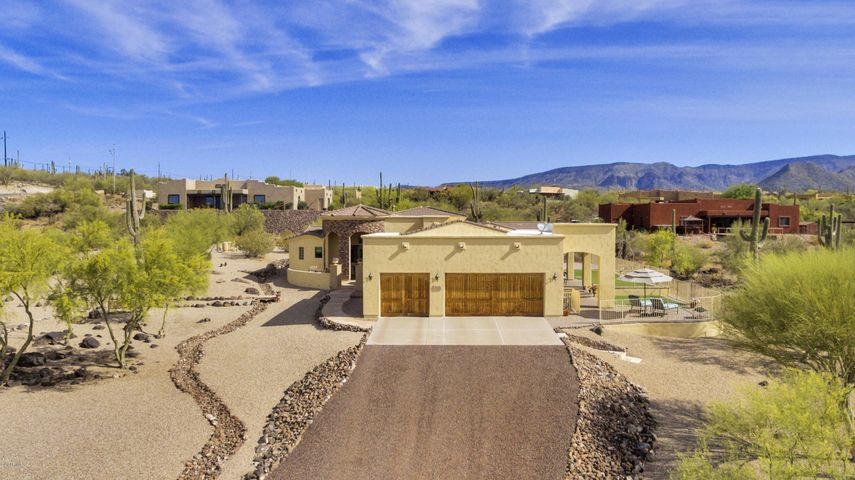 1820 E GAFFNEY Road, New River, AZ 85087