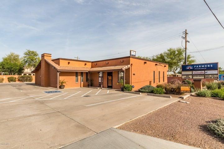 609 S GILBERT Road, Gilbert, AZ 85296