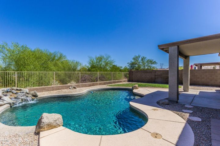 17536 W CACTUS FLOWER Drive, Goodyear, AZ 85338
