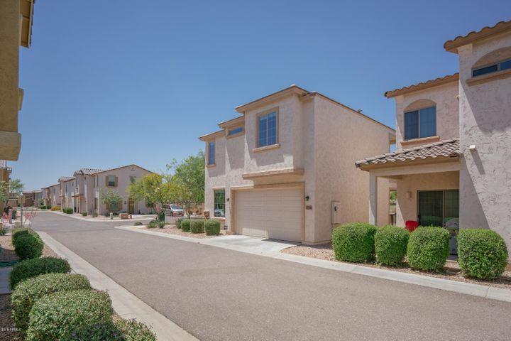 17766 W BANFF Lane, Surprise, AZ 85388