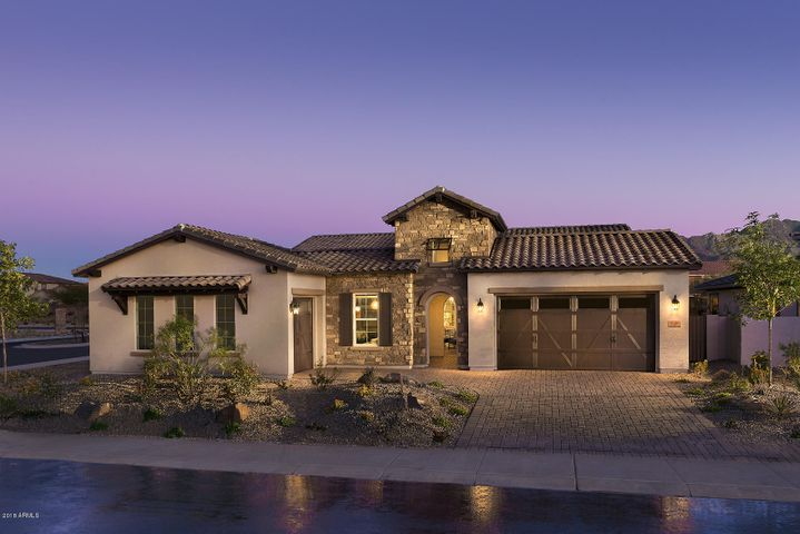 7609 S BARLOW Drive, Gilbert, AZ 85298