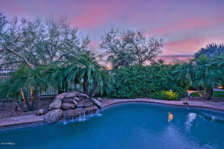 12503 W RED HAWK Drive, Peoria, AZ 85383
