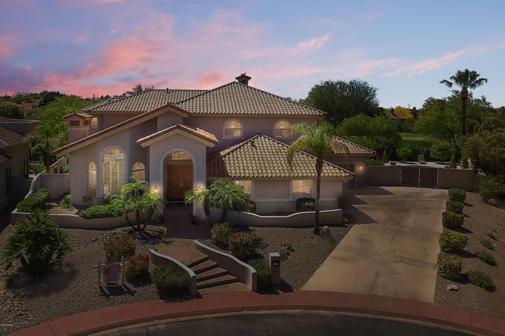 Executive POOL, GOLF Lot, with Red Mountain Views!