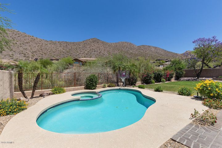 Ancala West Estates, gated community, hardwood flooring, gas stove, granite countertops, pool, spa, mountain views
