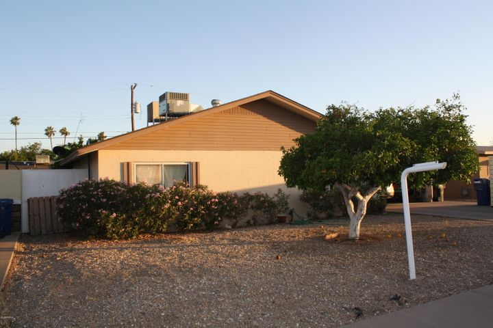 2031 E BRAMBLE Avenue, Mesa, AZ 85204