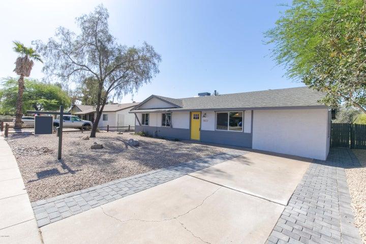 3823 E LUDLOW Drive, Phoenix, AZ 85032