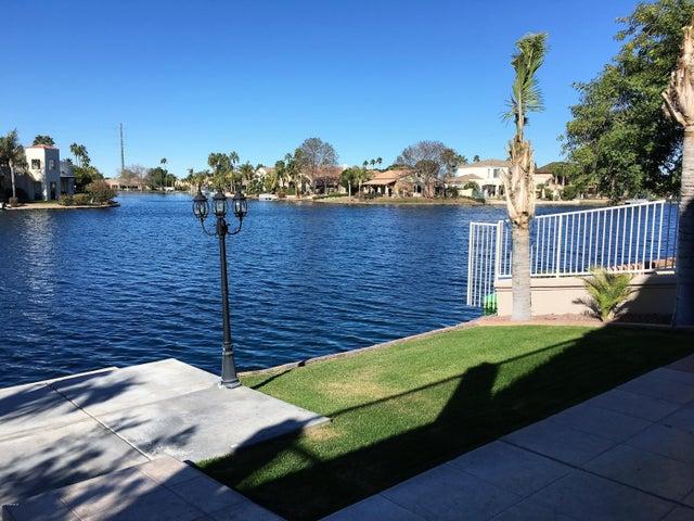 1252 N PALMSPRINGS Drive, Gilbert, AZ 85234