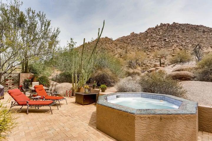 patio, spa, views, relax...