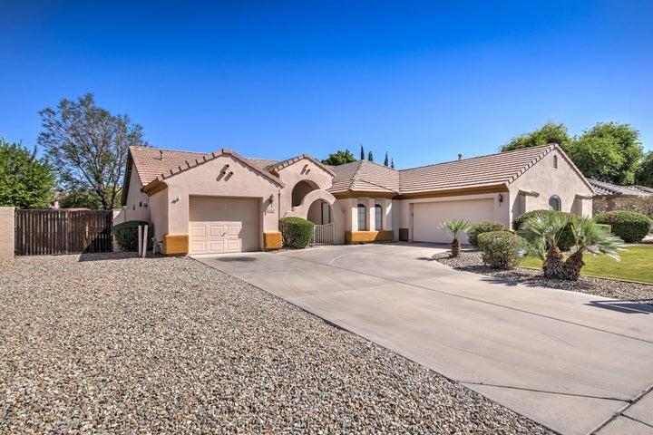 5520 E HOLMES Avenue, Mesa, AZ 85206