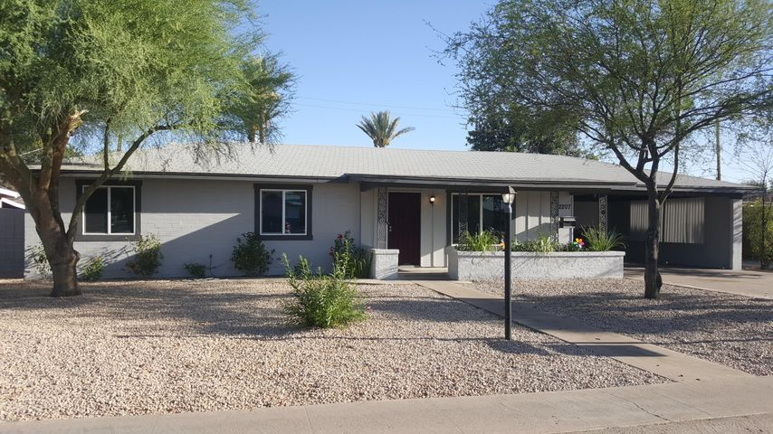 2207 W Bethany Home Road, Phoenix, AZ 85015