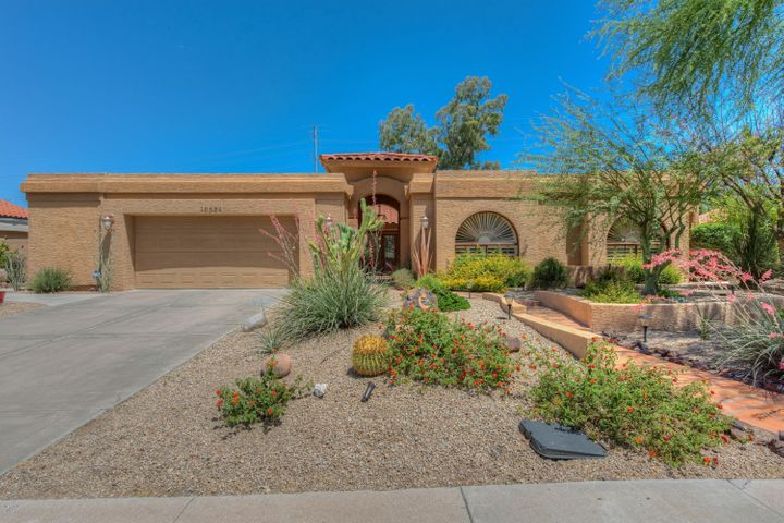 Welcome to this beautiful custom home quality built in the heart of Scottsdale Ranch!