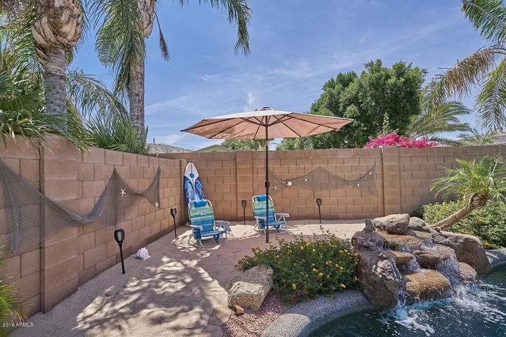 581 W LOCUST Drive, Chandler, AZ 85248