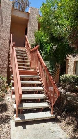 3131 W COCHISE Drive, 215, Phoenix, AZ 85051