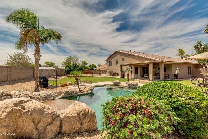 7648 W TUMBLEWOOD Drive, Peoria, AZ 85382