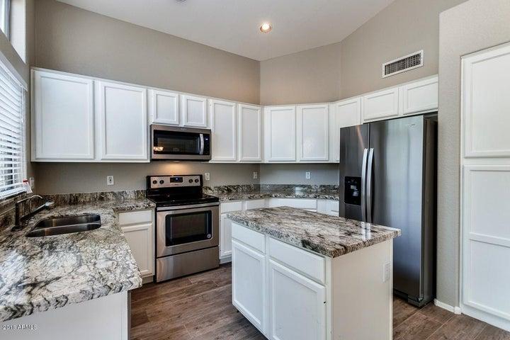 213 W RAVEN Drive, Chandler, AZ 85286