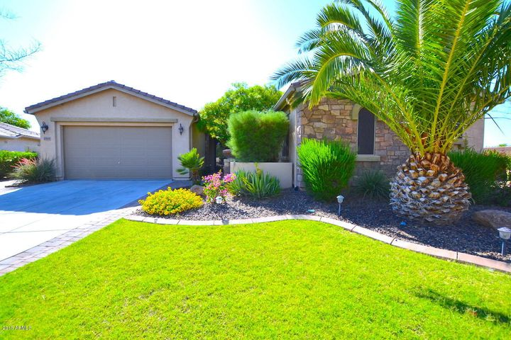 6554 S LEGEND Court, Gilbert, AZ 85298