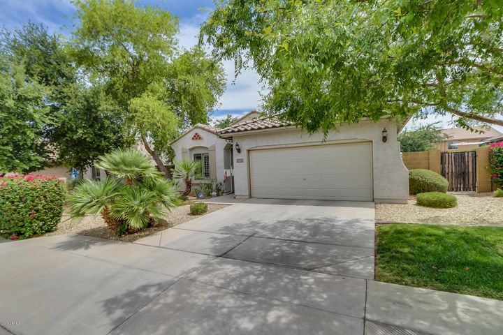 18257 W TOWNLEY Avenue, Waddell, AZ 85355