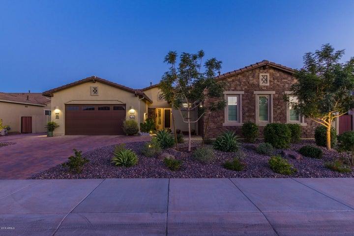 921 E CLOVEFIELD Street, Gilbert, AZ 85298